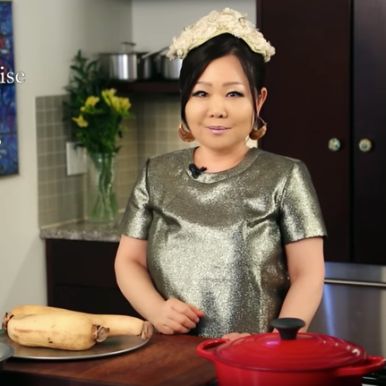 maangchi in kitchen